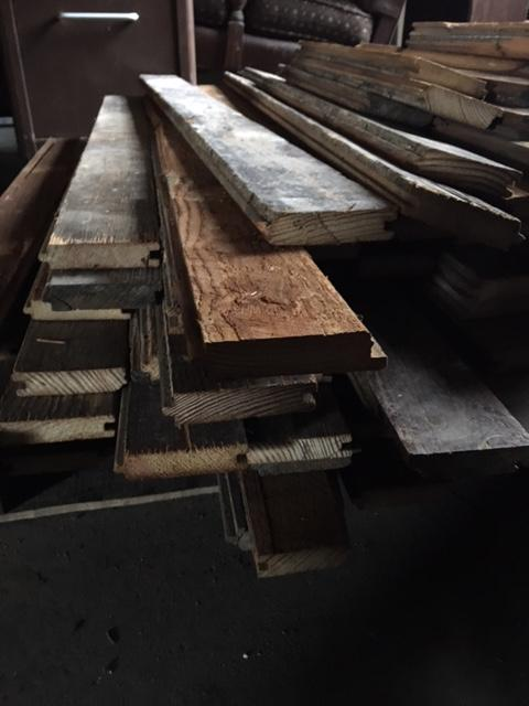 130 sq ft. Reclaimed Wood Floor, Antique Pine Victorian Savage Excellent - $130.00